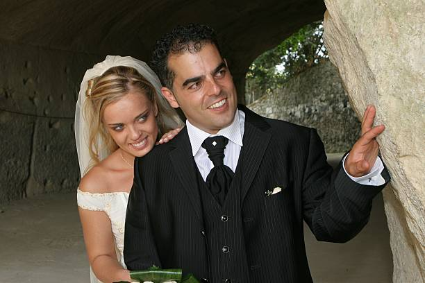 Married inside roman ruine Married inside roman ruine ruine stock pictures, royalty-free photos & images