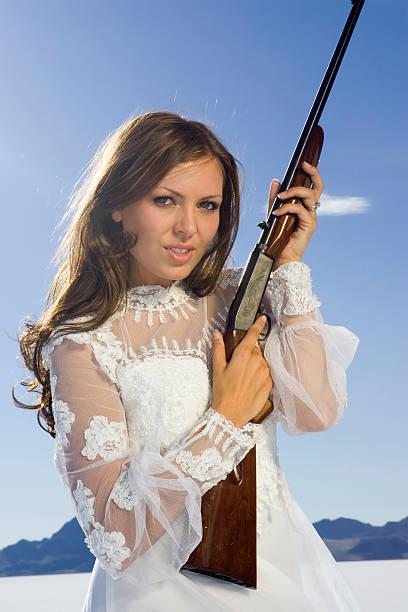 heirate mich oder anderen! - shotgun wedding stock-fotos und bilder