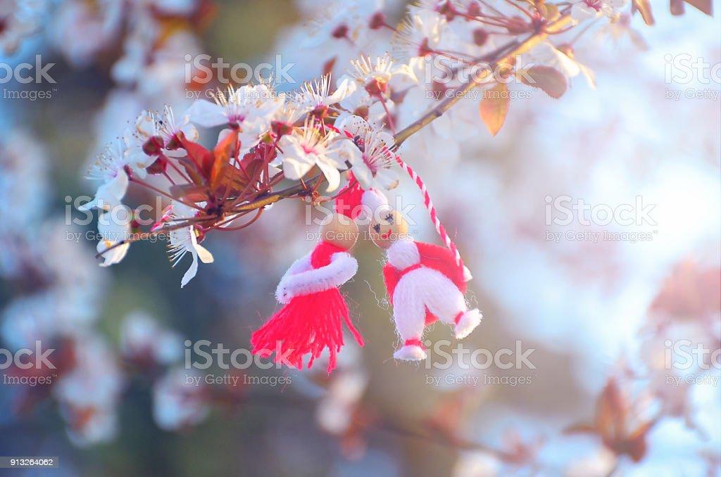 Martisor, Symbol des Frühlings. Traditionelle Balkan Frühling Armband