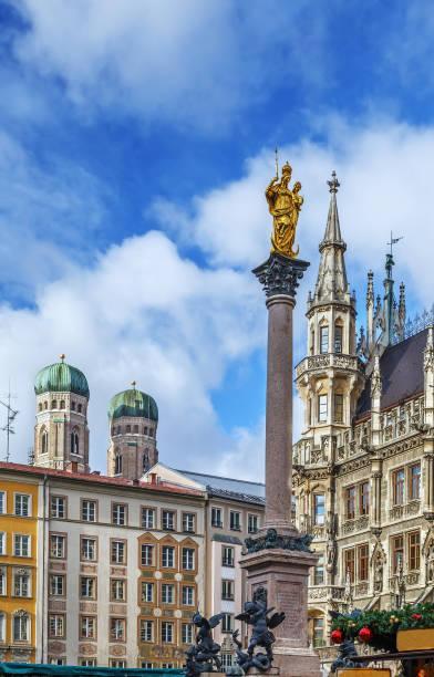 mary ' s column, münchen, tyskland - münchens nya rådhus bildbanksfoton och bilder