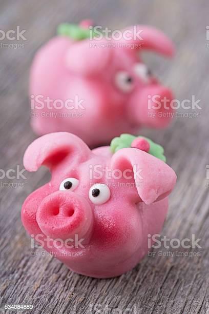 Marzipan pig picture id534084889?b=1&k=6&m=534084889&s=612x612&h=0u5jpfdd1myeiiqbk1jxwaozkb8b0flz5kqbhz48kos=