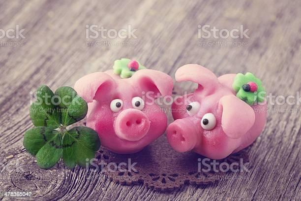 Marzipan pigs picture id478365042?b=1&k=6&m=478365042&s=612x612&h=wkivtfun9k diqsmt8qq5itijlbggxptutykn0iuh1y=