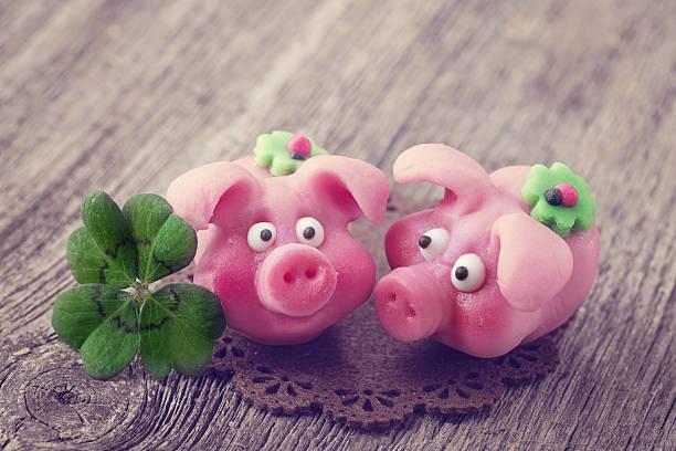 Marzipan pigs picture id478365042?b=1&k=6&m=478365042&s=612x612&w=0&h=45foxfxuhsd9eobwrqgvwytnt9gcmysqeolfnxt2jja=