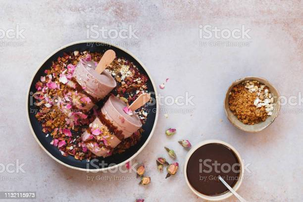 Masala chai kulfi served with biscuit crumbles chocolate syrup and picture id1132115973?b=1&k=6&m=1132115973&s=612x612&h=bthrnwzccvhbrao3pttrxl2b3113v3cnvyvq9xusxrw=