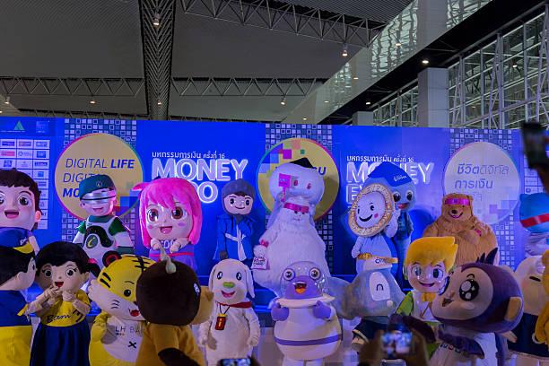 Mascot of many bank in money expo 2016 picture id532120698?b=1&k=6&m=532120698&s=612x612&w=0&h=elxhrroq5ft3zhfyesa huxxnv1u3cukdo6bj6mzcse=
