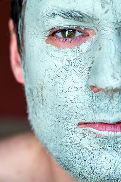 blue-Schlamm-Maske auf Gesicht für – Foto
