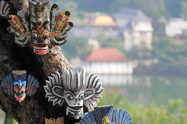 Masken und Dalada Maligawa Kandy Tempel Sri Lanka Blick – Foto