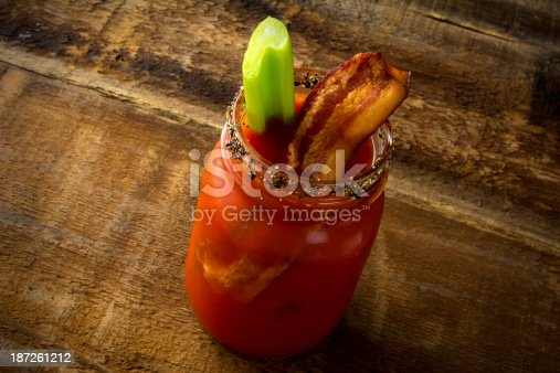 istock Mason Jar Bacon Bloody Mary 187261212
