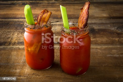 istock Mason Jar Bacon Bloody Marys 187261240
