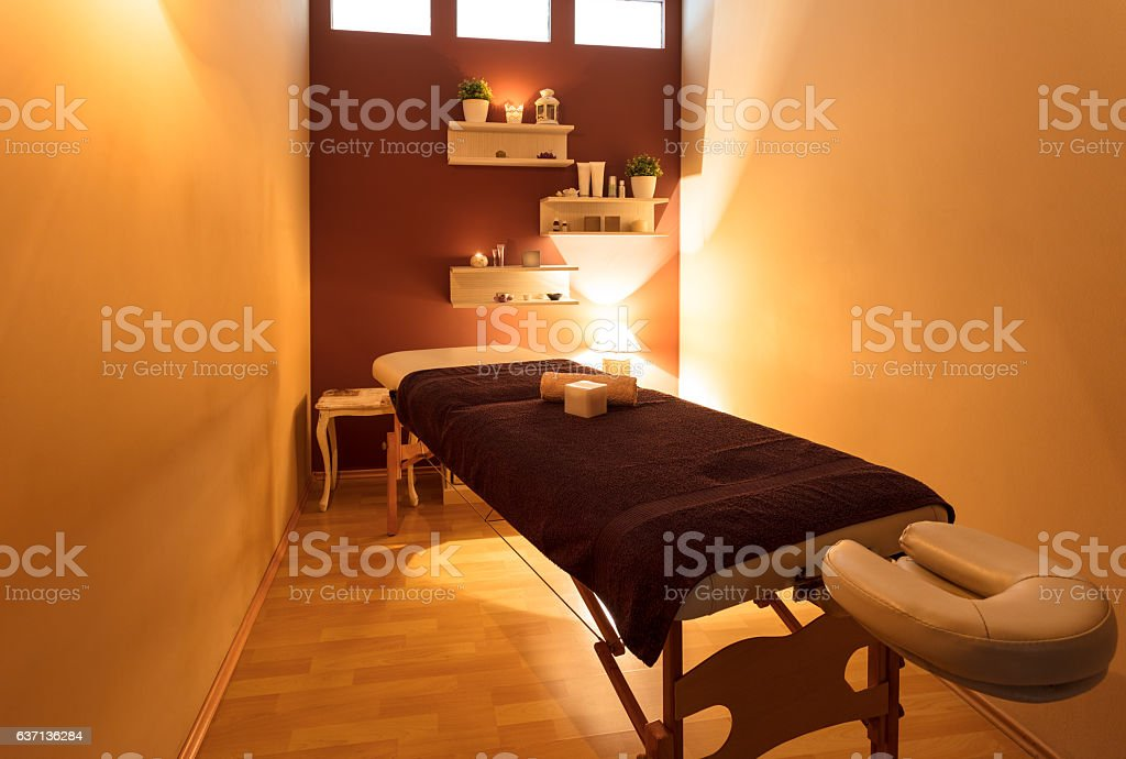Massage bed at spa centre ストックフォト