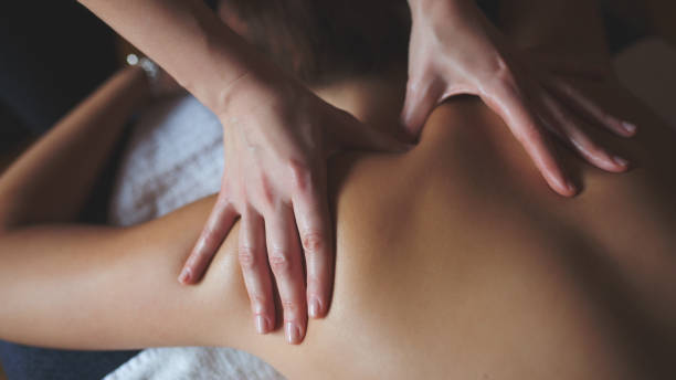 massage therapy - massage therapist stock pictures, royalty-free photos & images
