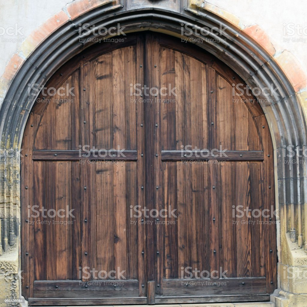 Massive old wooden door zbiór zdjęć royalty-free