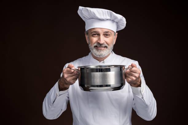 meisterkoch - chefkoch auflauf stock-fotos und bilder