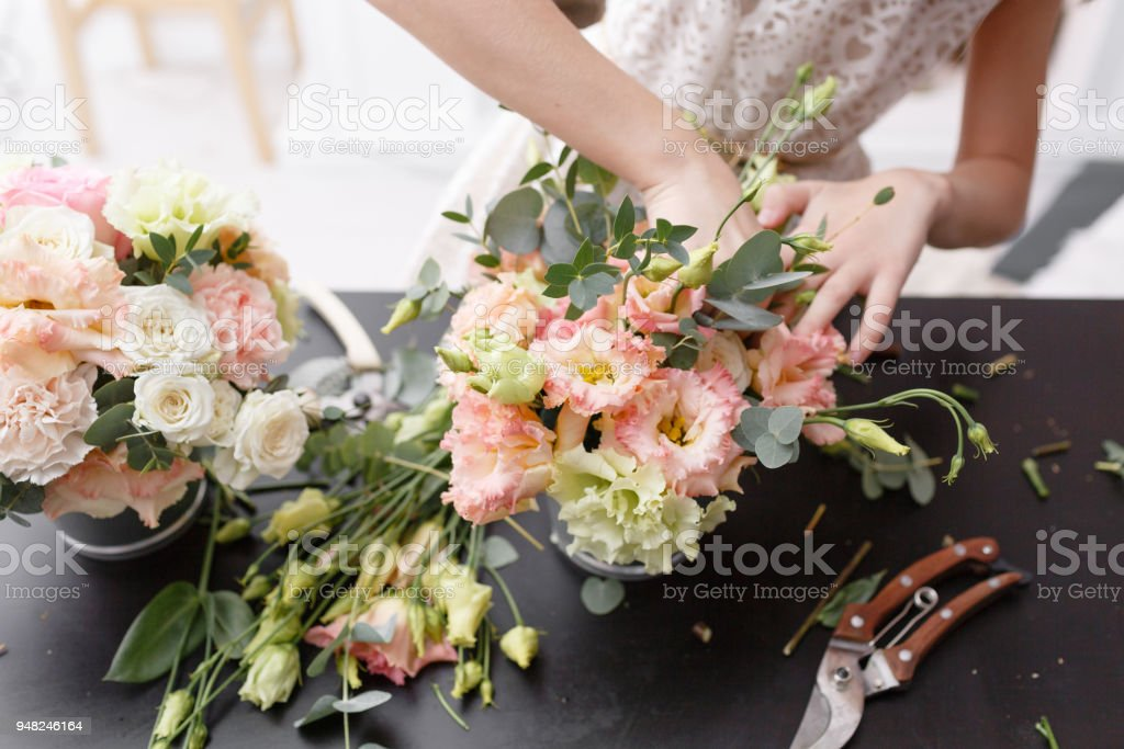 Master class on making bouquets. Spring bouquet. Learning flower...
