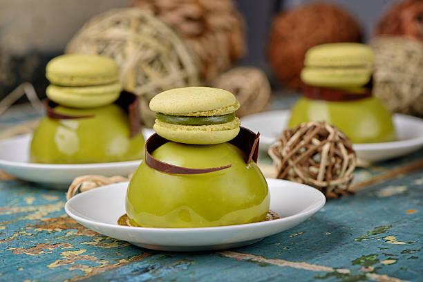 matcha-dome-dessert - 3 zutaten kuchen stock-fotos und bilder
