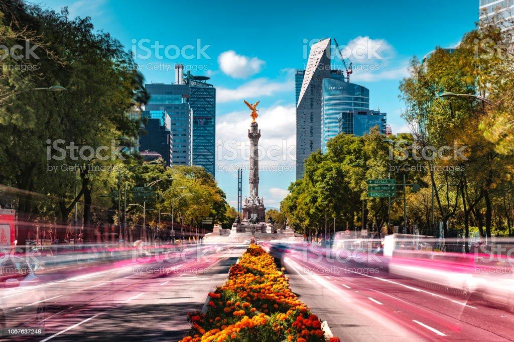 Passenden Tag und Nacht Mexico City Skyline – Foto