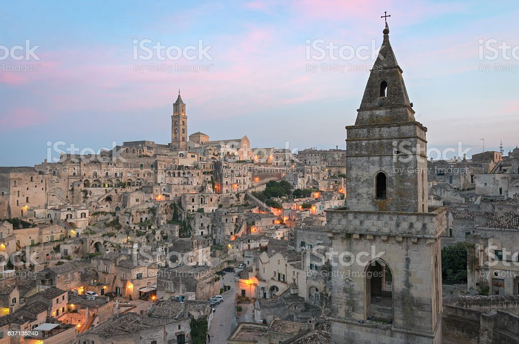 Matera Sasso Barisano at twilight - foto stock
