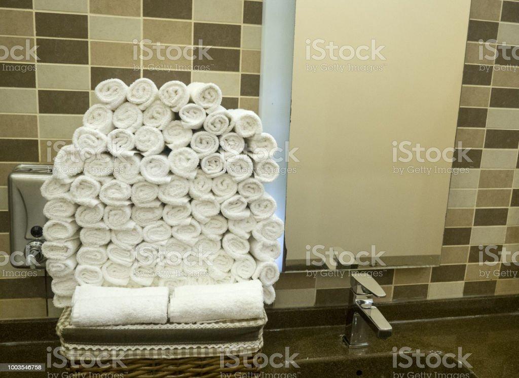Serviettes Matières Dans Les WC De Luxe Hotel Photo Libre De Droits