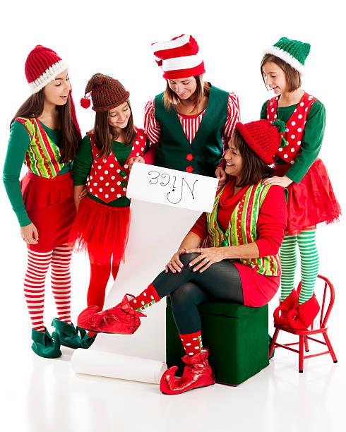 matriarchal familie an weihnachten elfen heißt santa claus nizza lis - elfenkostüm damen stock-fotos und bilder