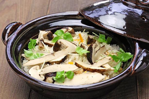 matsutake gohan, rice cooked with matsutake mushroom - 松茸 ストックフォトと画像