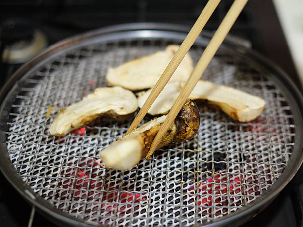 matsutake mushroom - 松茸 ストックフォトと画像