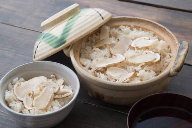 松茸ごはん - 松茸 ストックフォトと画像
