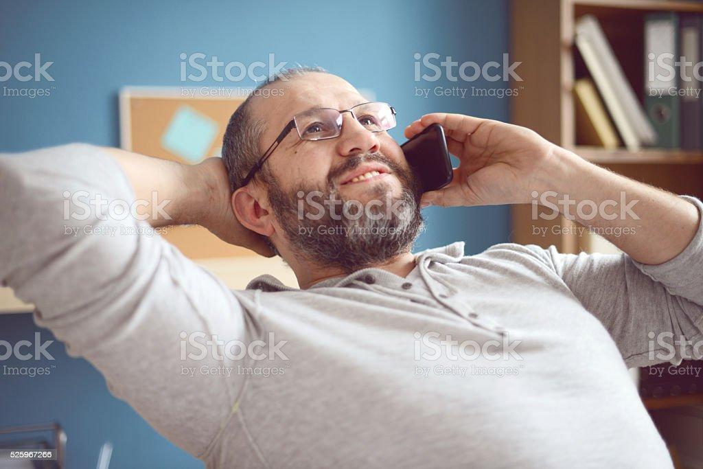 Älterer Erwachsener Mann arbeitet im Büro - Lizenzfrei 45-49 Jahre Stock-Foto