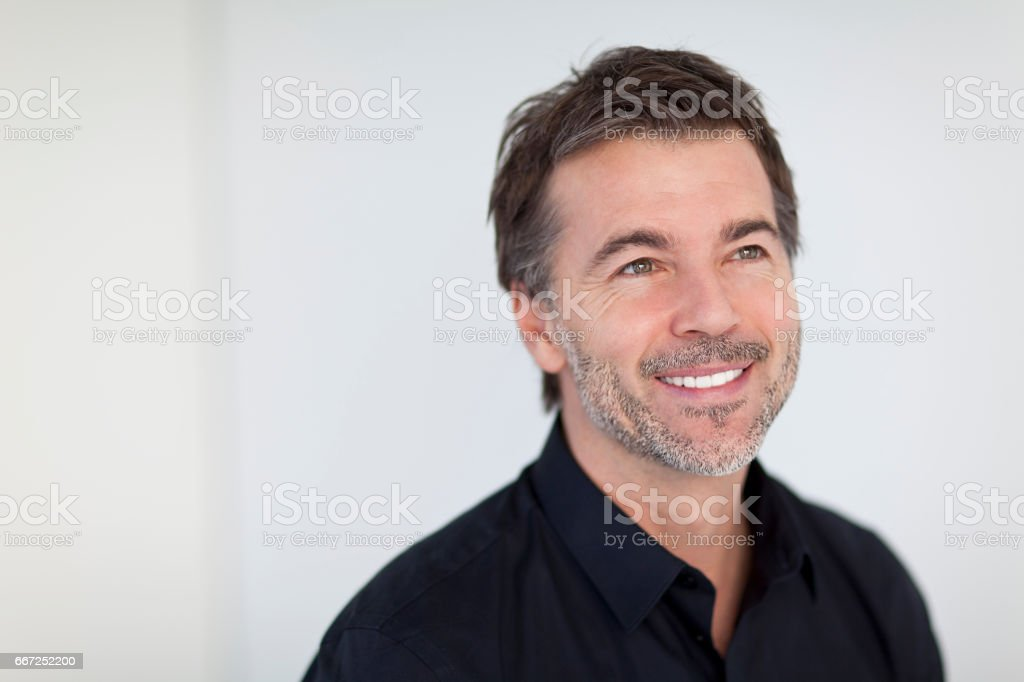Mature Businessman Smiling and Looking Away. Isolated On White – Foto