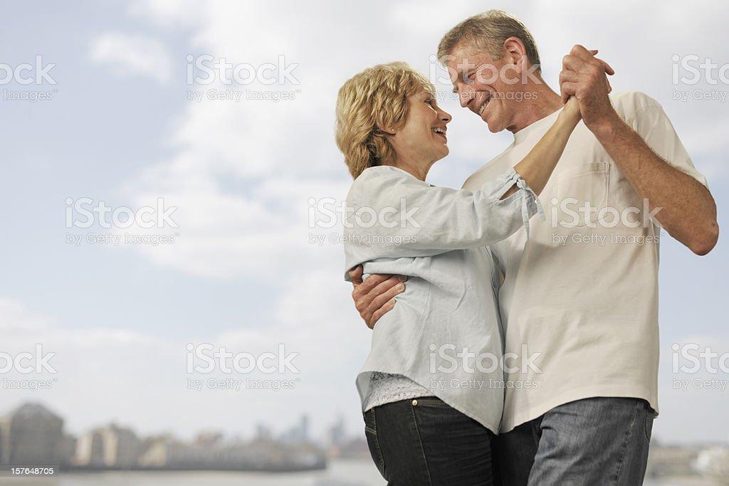 mature couple ile ilgili görsel sonucu