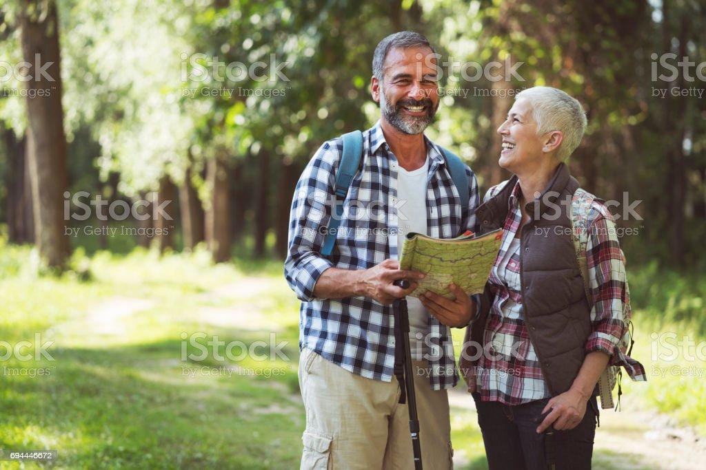 Älteres Paar Wandern – Foto