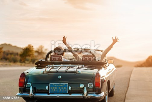 istock Mature couple on Roadtrip 483817557