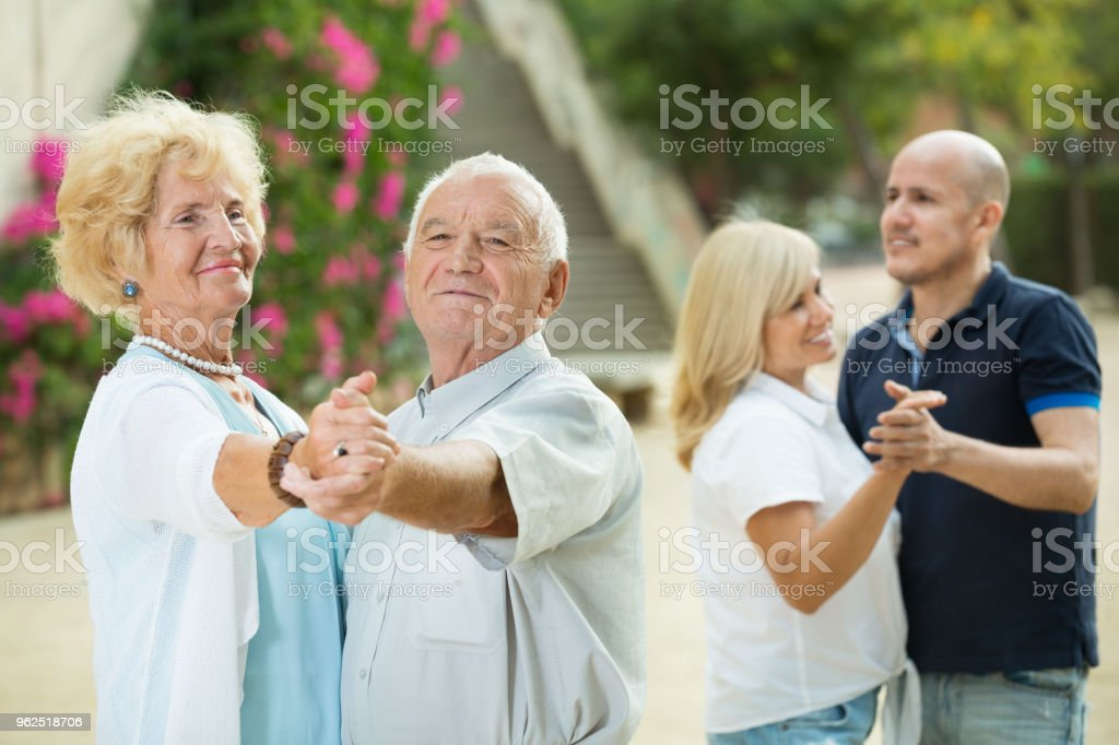 Mature friends dancing walts - Royalty-free Active Seniors Stock Photo