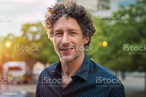 Mature handsome business man picture id1040308104?b=1&k=6&m=1040308104&s=612x612&h=4kjjuszvvskws5aetttu ruhlyco6oq2vpllerk7tuq=