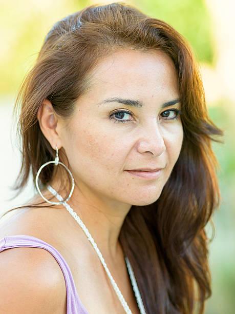 madura mulher hispânica - belas mulheres argentina - fotografias e filmes do acervo