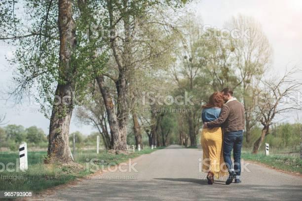 Mogen Man Och Kvinna Ha Romantisk Dag I Parken-foton och fler bilder på Avkoppling