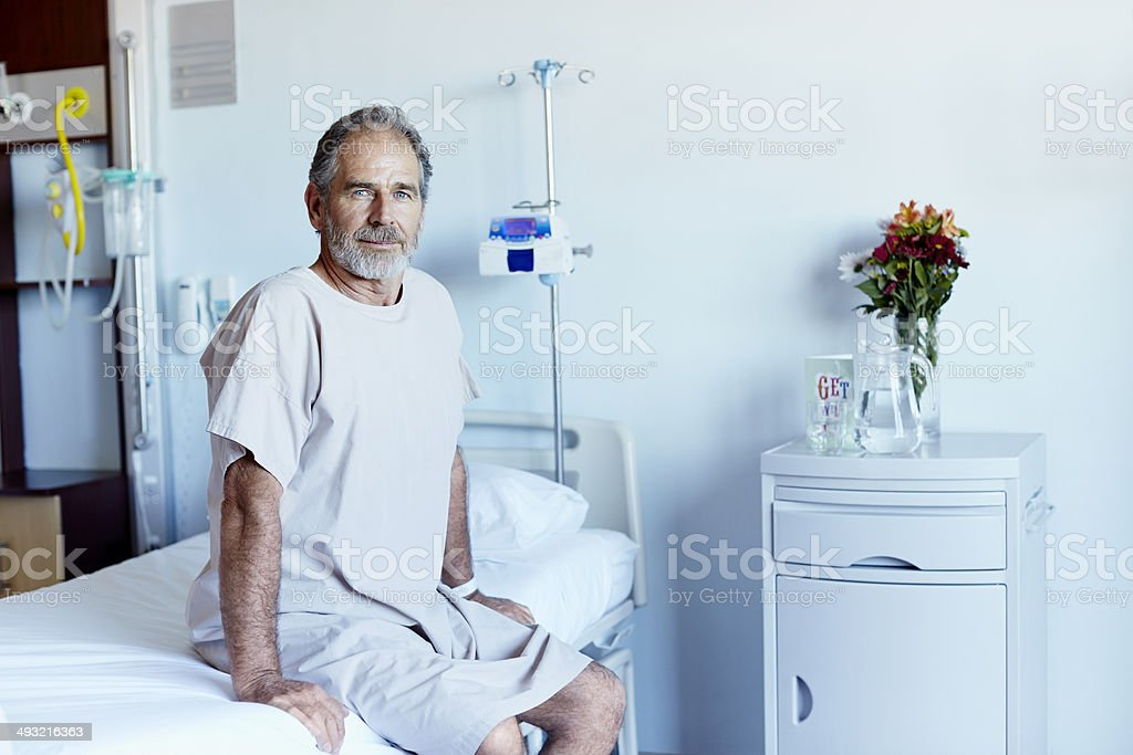 Mature man in hospital ward - foto de stock