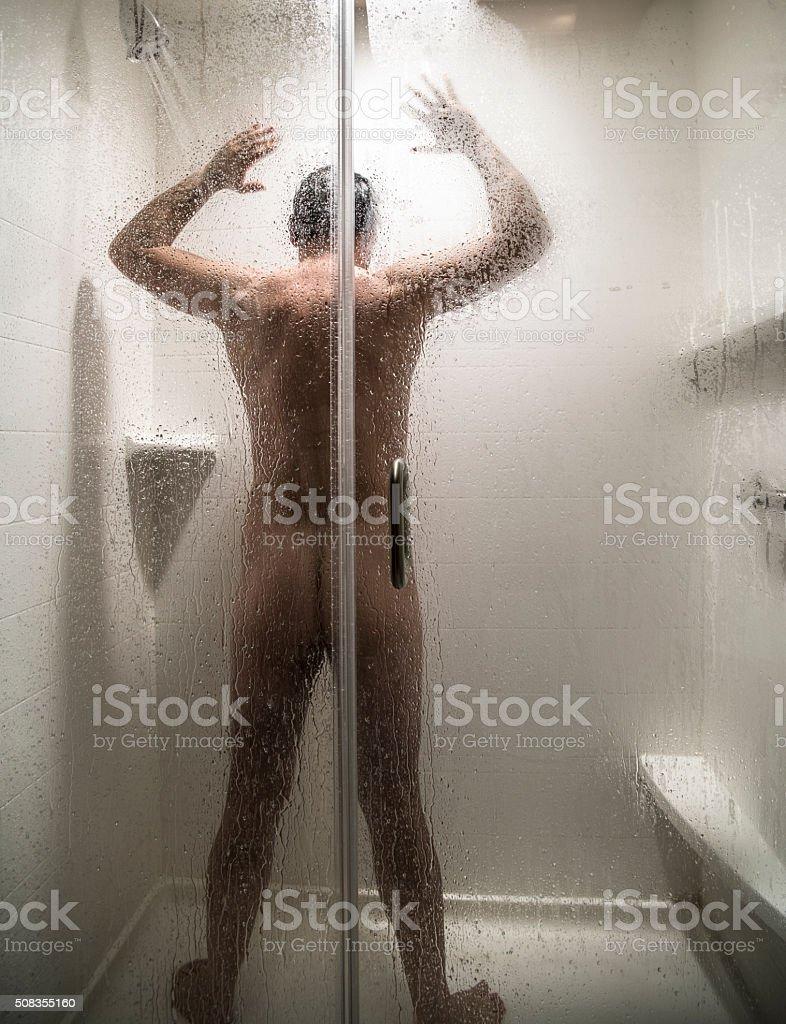 maturo doccia lesbica Scissoring a orgasmo