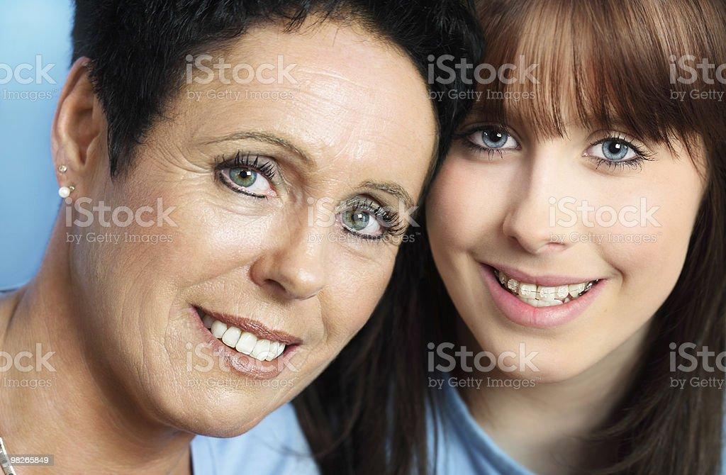 Mature Ritratto di Madre e figlia adolescente foto stock royalty-free