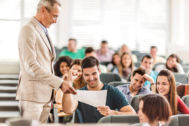 sucsessfull students essay Writing an essay often seems to be a dreaded task among students whether the essay is for way to draft a successful essay 7 tips on writing an effective essay.