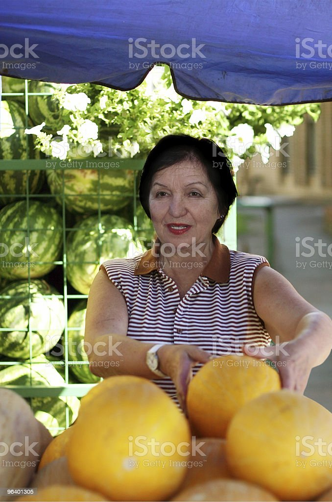 Mature woman at the marketplace - Royalty-free Adult Stock Photo