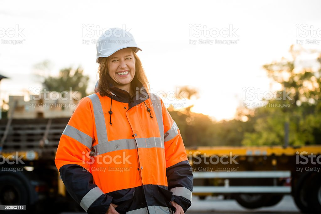 Mature woman - engineer portrait - foto de stock