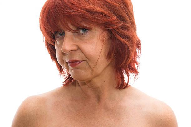 ältere frau posieren - sexy granny stock-fotos und bilder