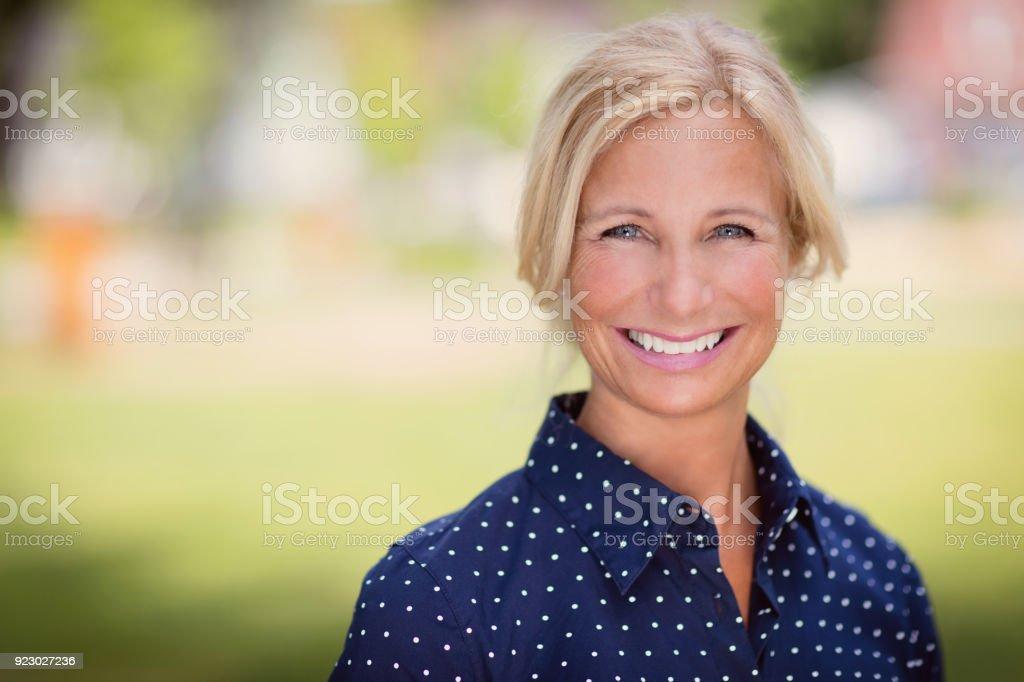 Ältere Frau Lächeln – Foto