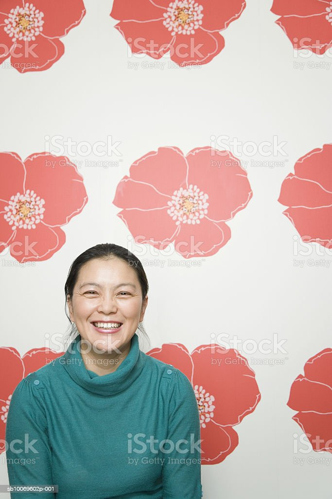 Mature woman smiling, portrait photo libre de droits