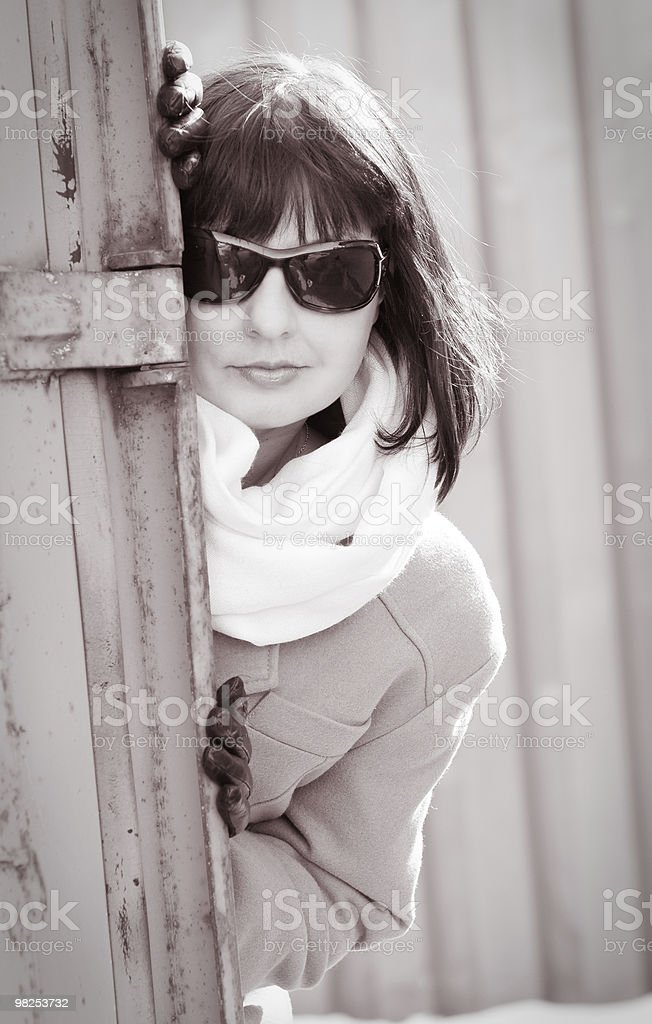 Donna matura guardando un foto stock royalty-free