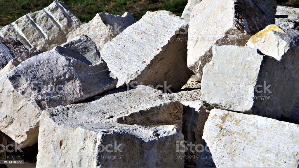 Mauerblöcke aus Jura-Kalk stock photo