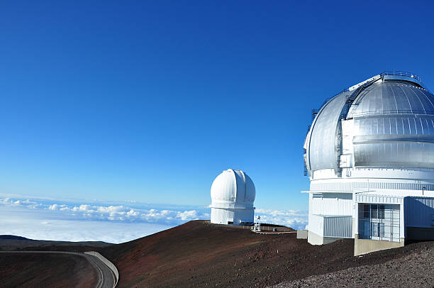 mauna kea-observatorium, big island, hawaii - hohe warte stock-fotos und bilder