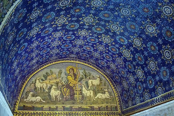 mausoleum of galla placidia, ravenna, italy - mausoleum stockfoto's en -beelden