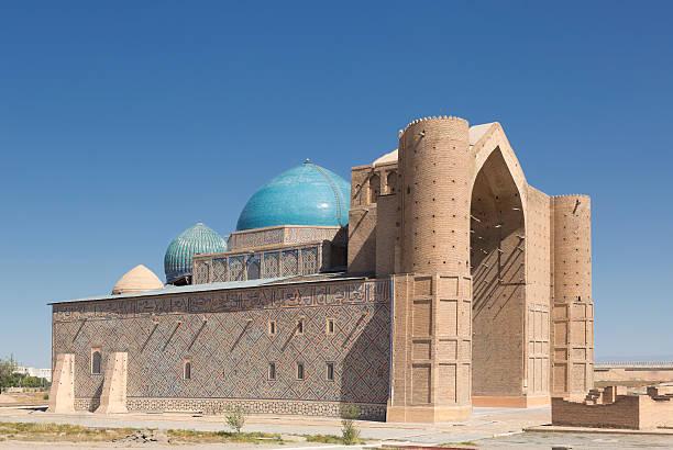 mausoleum of khoja ahmed yasawi, kazakhstan - mausoleum stockfoto's en -beelden