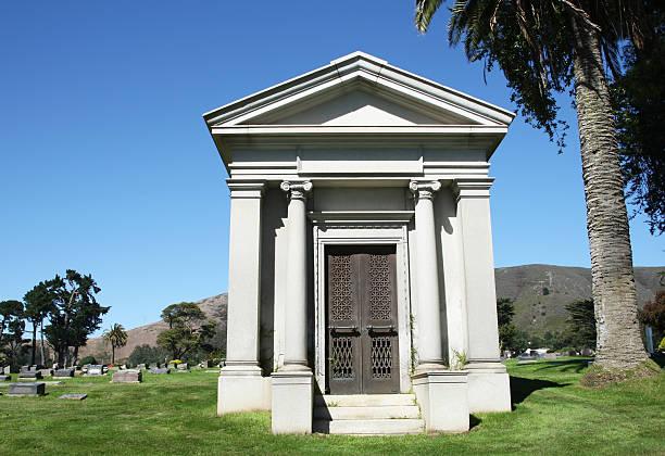 mausoleum - mausoleum stockfoto's en -beelden
